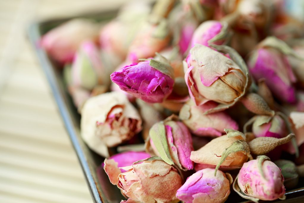 Rose oil can be used in aromatherapy in a bath. It can also be inhaling or applied to skin to treat stress, anxiety or depression.