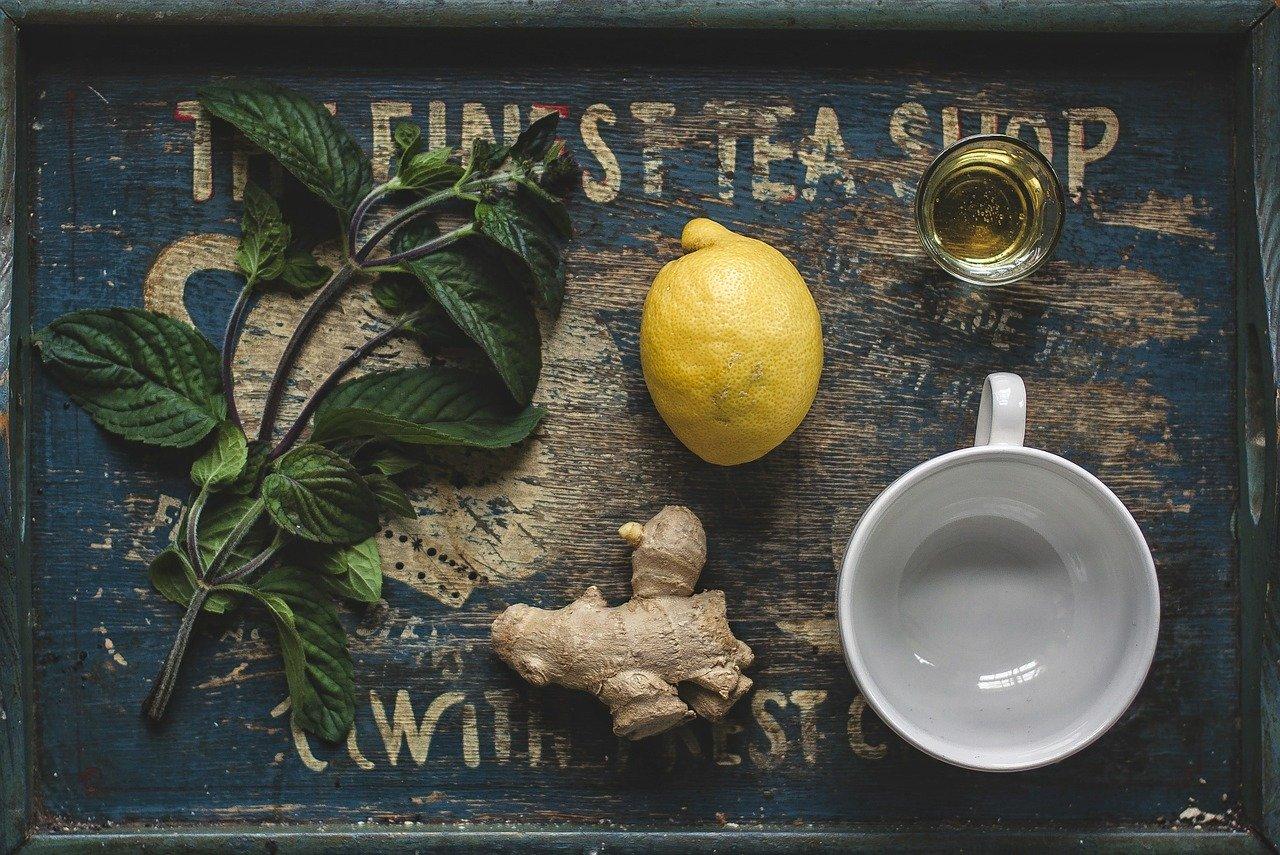 ginger lemon and honey tea