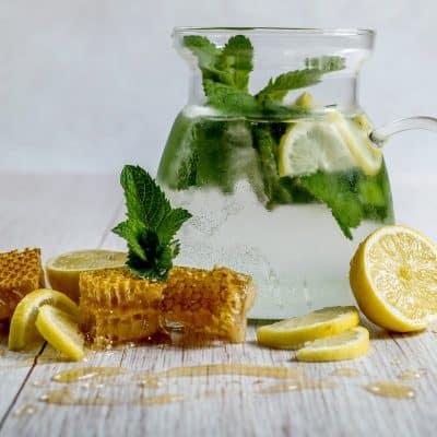 8  Powerful Benefits of Honey