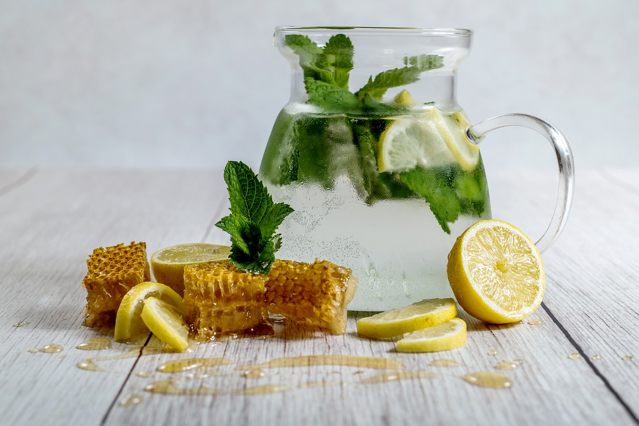 benefits of honey are consumed in water with lemon and honey